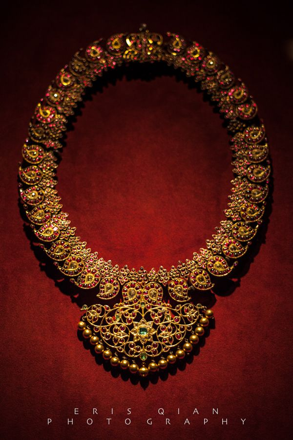 The classic South Indian bridal necklace - the mango haram. Shop for your wedding jewellery with Bridelan - a personal shopper & stylist for weddings, also a resource for finding rare jewels of India. Website www.bridelan.com #Bridelan #southindianjewellery