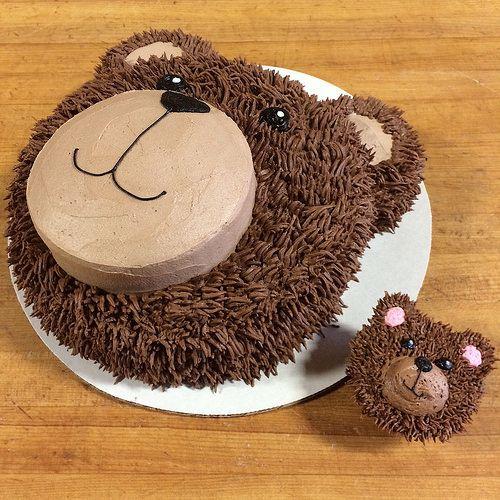 photo 5 | Teddy bear face cake and teddy bear cupcake | Robin Schantz | Flickr   – Baby shower cupcakes