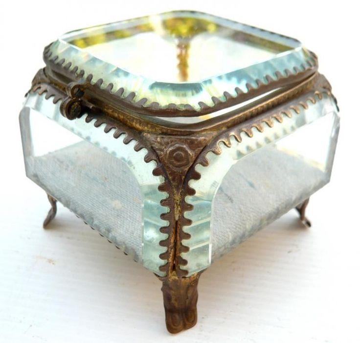 les 25 meilleures id es de la cat gorie verre biseaut sur pinterest verre au plomb design. Black Bedroom Furniture Sets. Home Design Ideas