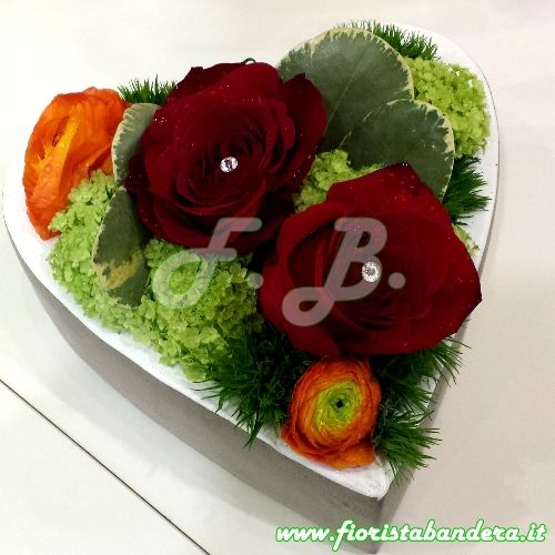 San Valentino cuore di fiori