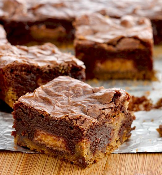 Peanut Butter Cup Cookie Dough Brownies | PHOTO STYLE + Alimentos | P ...