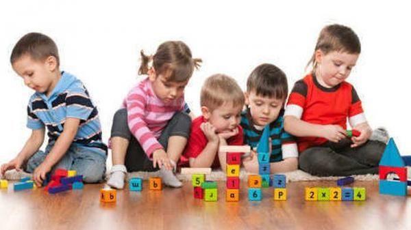 Apa Perbedaan Mendasar Membesarkan Anak Laki & Perempuan?