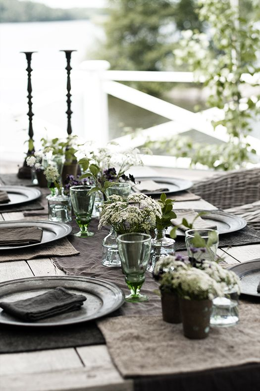 Dinner table at midsummer  I  Victoria Skoglund