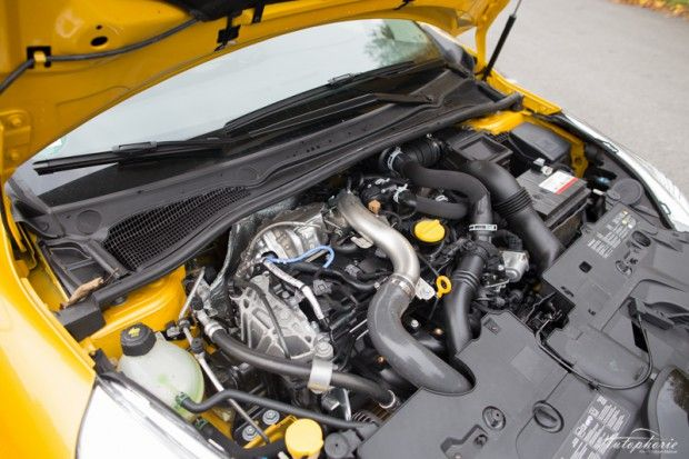 Clio RS 220 Trophy Engine