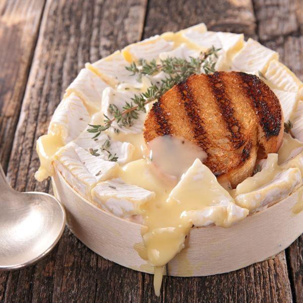 Les 25 meilleures id es concernant camembert au four sur for Plat convivial rapide