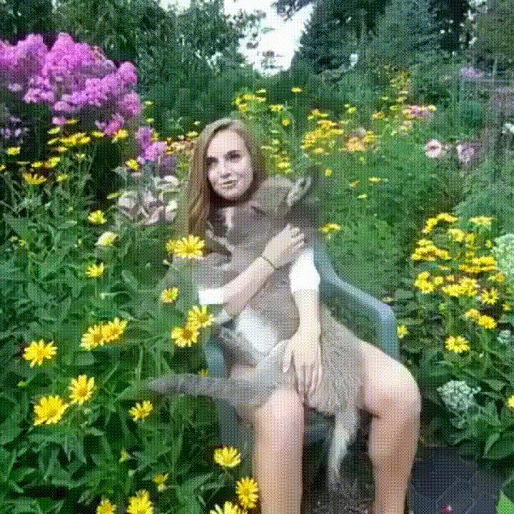 Girl with the cutest ass you've ever seen. http://ift.tt/2qEaark