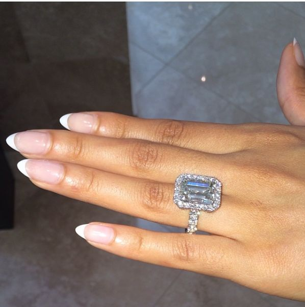 A 10 carat emerald cut engagement ring given to Evelyn Lozada