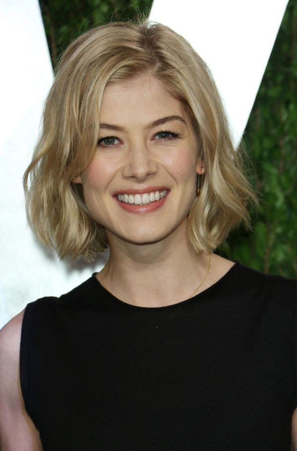 Easy, breezy blonde - this chin-length bob instantly freshens up Rosamund Pike's style.