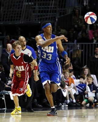 Scottie Pippen  Think Scottie Pippen wouldn't want to have Justin Bieber's money? The former NBA superstar lost $120 million in career earnings, according to a 2010 Yahoo report. Among his not-so-savvy business moves was the 2002 purchase of a $4 million private jet that never flew. (AP Photo/Jae C. Hong)