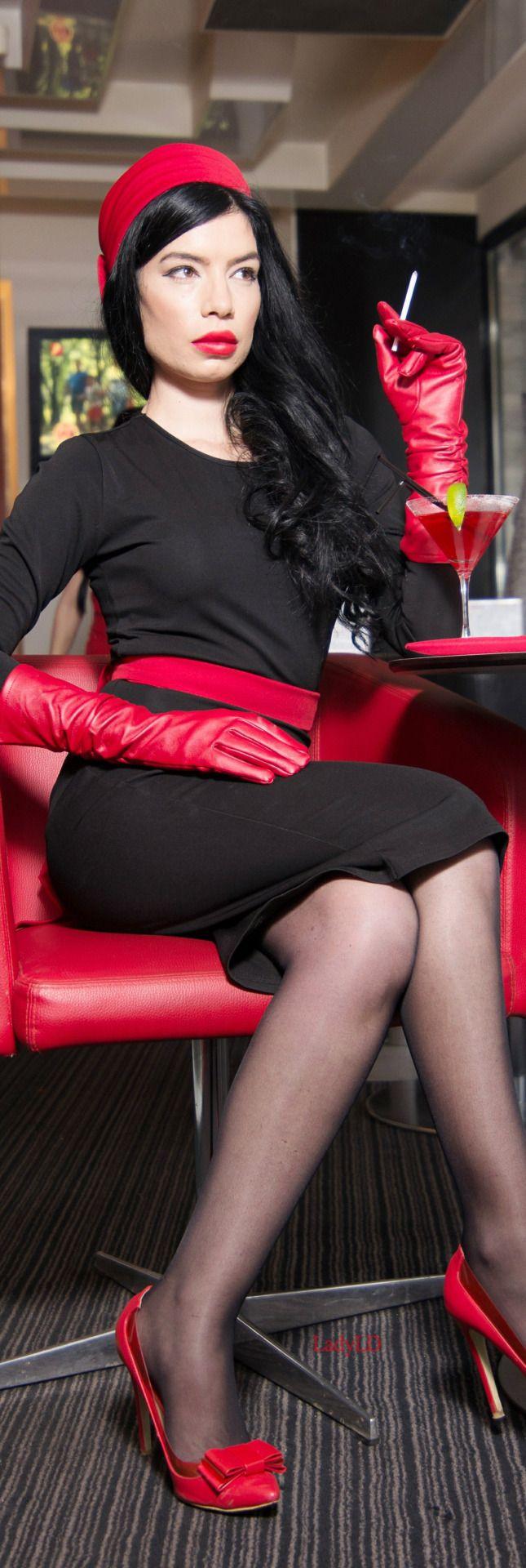 451 best rojo images on pinterest red color red and colour red. Black Bedroom Furniture Sets. Home Design Ideas