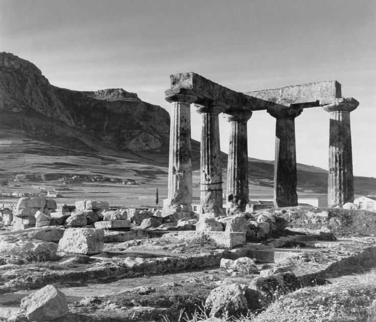 Herbert List. Greece. Peloponnese. Corinth. Temple of Apollon. 1937. Magnum Photos