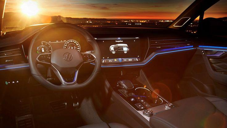 Volkswagen Touareg R Go Faster Suv Takes Aim At Audi Sq7 In 2020 Volkswagen Touareg Volkswagen Suv