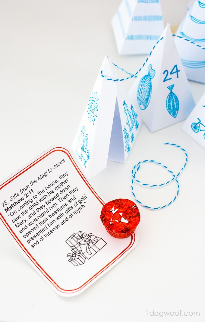 This triangle box advent calendar is perfect for treats or a Scripture message. Adorable! | www.1dogwoof.com