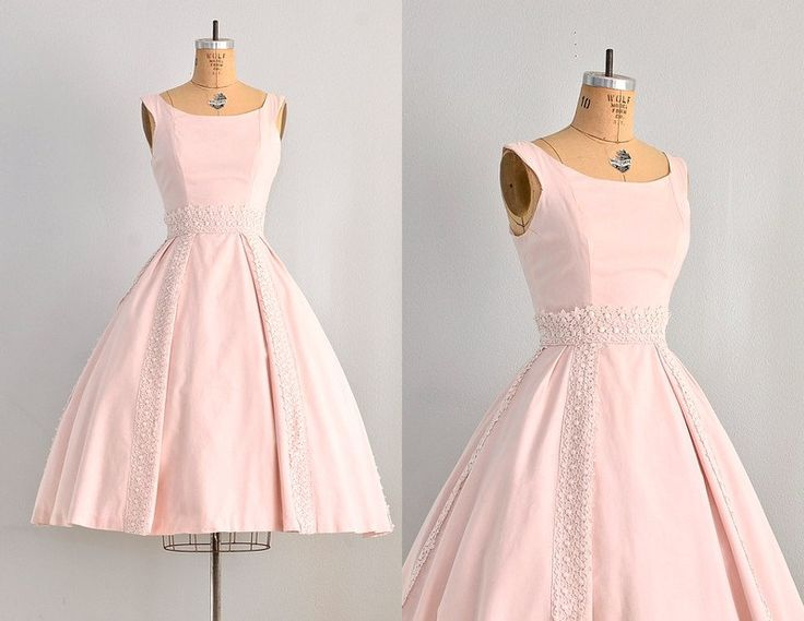 ✧ vintage 1950s lace trimmed pink party dress ✧ sleeveless bodice ✧ boat neckline and fitted waist ✧ full skirt ✧ back metal zipper closure