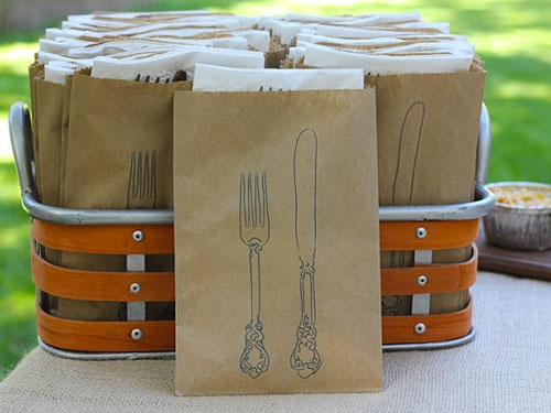 Perfect silverware holder for a picnic or outdoor party  Run off on computer. Graphic Fairy has this graphic for free.