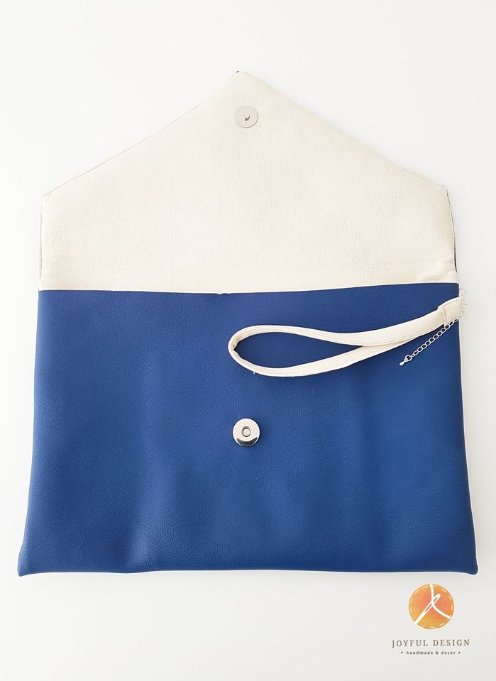 Blue&white handmade clutch