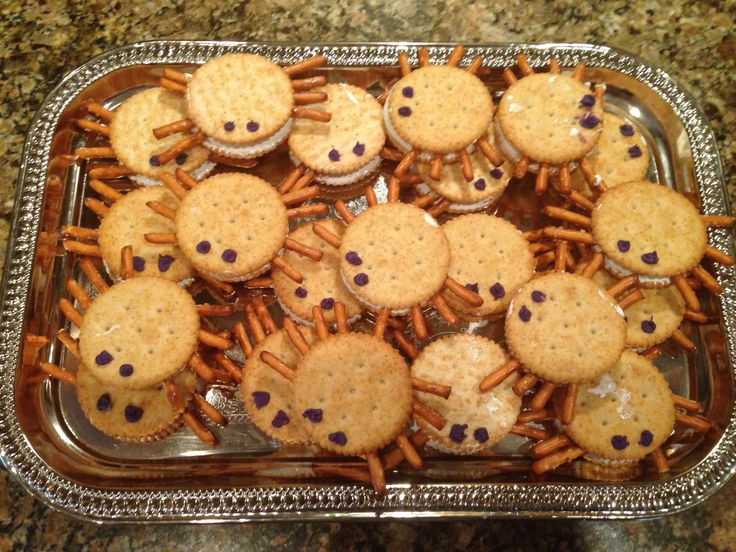 Spider crackers! Ritz crackers, marshmallow fluff, pretzels, and purple icing fie eyes. Great peanut free Halloween snack for kids!