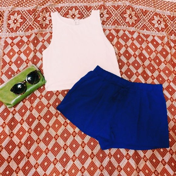 Royal blue shorts Super cute royal blue shorts with pockets! The blue give any outfit a pop of color Comfortable and cute. 100% Polyester. Forever 21 Shorts