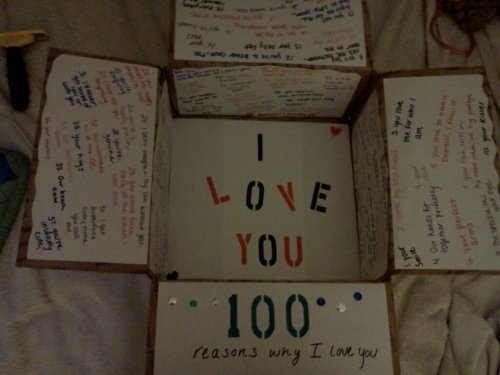 100 reasons care package ... this is just beautiful!Valentine'S Day, 100 Reasons, Deployment Packages, Cute Ideas, Christmas Boxes, Birthday Care Packages, Care Packaging, 101 Things, Packaging Ideas