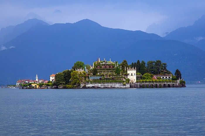 One of the best lakes in Italy is surely Lake Maggiore, in the Lombardy region. Let's see some of the things you can do around Lake Maggiore.