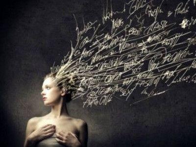 Οι λέξεις που χρησιμοποιείτε στον λόγο σας μπορούν κυριολεκτικά να αλλάξουν τον εγκέφαλό σας. Π.χ. αντί να λέτε «το παλεύω», πείτε «τα καταφέρνω». Αντικαταστήστε τις αρνητικές λέξεις στο λόγο σας με θετικές. Ο Δρ Andrew Newberg, νευροεπιστήμονας στο Πανεπιστήμιο Τόμας Τζέφερσον και ο Mark Robert Waldman, εμπειρογνώμονας σε θέματα επικοινωνίας, συνεργάστηκαν για τη συγγραφή του βιβλίου, «Οι λέξεις μπορούν να αλλάξουν τον εγκέφαλό σας» (Words Can Change Your Brain). Σε αυτό γράφουν πως «μία…