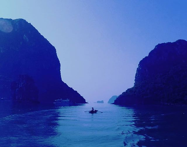 "Reposting @rollingwithkritzz: This will be the first thing which will catch your eyes when you start cruising in the Bai tu long bay or any of the coastal Vietnam- ""A  round bamboo basket boat being rowed mostly by woman folks of the country ... Wanted to capture this moment as this will last forever in my heart.. . . . . . . . . . . . #visitvietnam #travelers #traveller #halongbay #halong #discover #explore #unesco #vietnam #instavietnam #vietnamese #ilovevietnam #vietnamtravel #travelust"