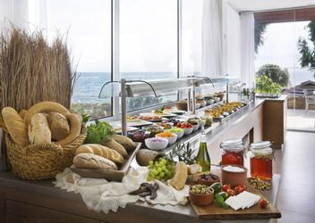Enjoy a healthy and delicious breakfast at Louis Hotels.