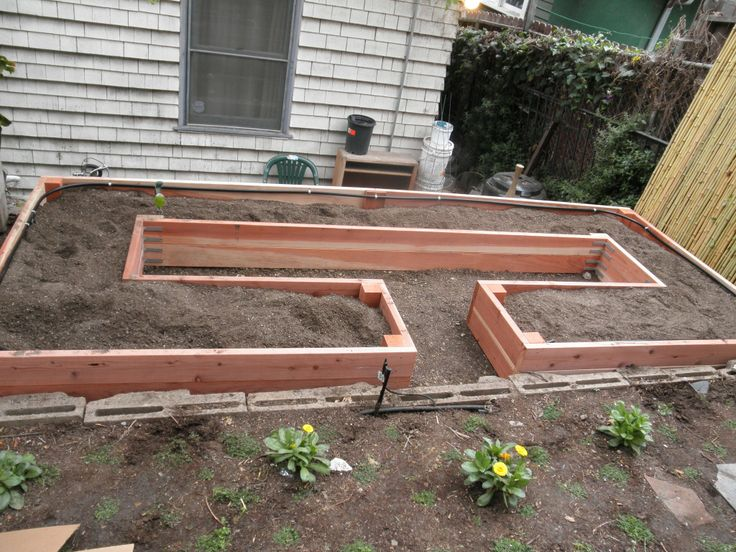 Nice Design For Raised Bed    Made With Cedar And Has Irrigation System  Included ( Part 67