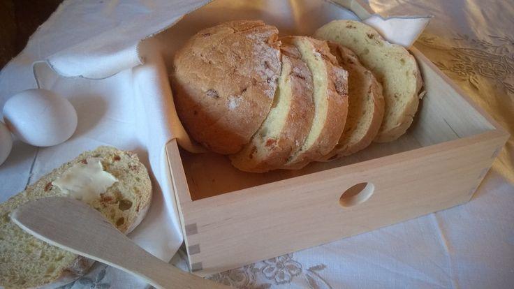 Kotimaista puusepäntyötä oleva ServettiLoota taipuu myös leipäkoriksi. Lisätietoja ja tilaukset: info @ tilantunne.fi
