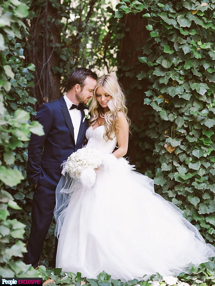 Aaron Paul marries Lauren Parsekian on Sunday, May 26th in Malibu, CA. I love his tux, and her dress is lovely