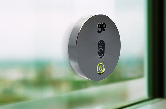 GeckoEye Motion Sensor, Solar Powered Wireless Security Camera - The GeckoEye has been designed to provide users with a car DVR or a portable security camera that can be placed on windows or similar to help you keep an eye on your premises or a specific location. It measures just 45mm across and is powered by a solar panel on its rear and support both Android and iOS devices. | Geeky Gadgets