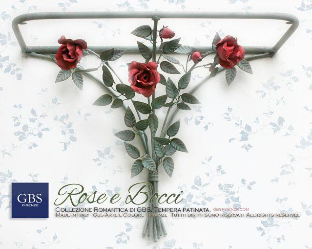 Consolle a muro Rose e bocci di Rosa in tempera patinata. Ferro battuto e decorato a mano. Made in Italy. GBS Firenze. All rights reserved. gbsfirenze.com