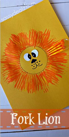 Make a lion craft with your kids using a fork and paint! Cute for a zoo activity.