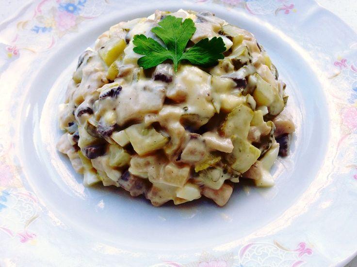 Salata de ciuperci cu castraveti si maioneza