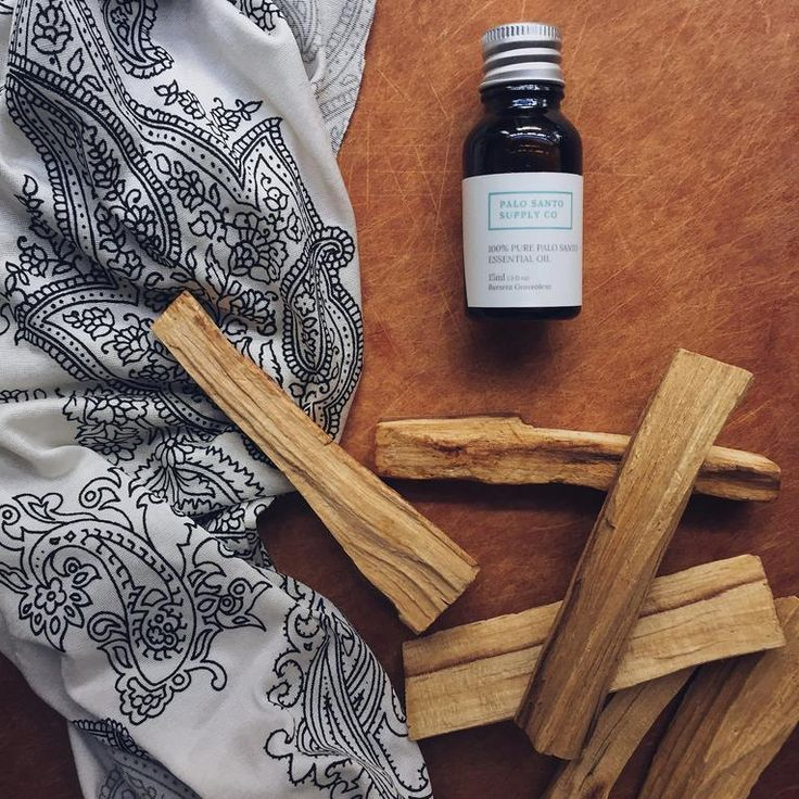 A Definitive Guide To Using Palo Santo Essential Oils in