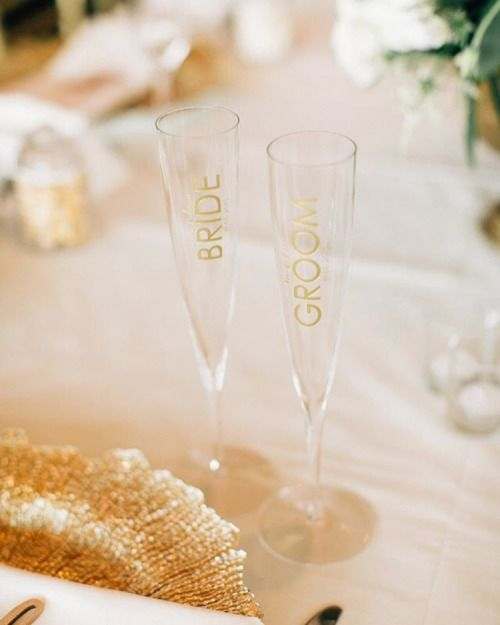 Brides & Grooms!💍🎩Celebrate your first toast as Mr. & Mrs. with these custom engraved champagne flutes! #happilyeveretched (📷 @jennabechtholt) www.letstiethknot.etsy.com