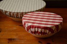 Fini l'aluminium ou le film plastique étirable, remplaçons les pas de jolis couvercles en tissu ou toile cirée souple