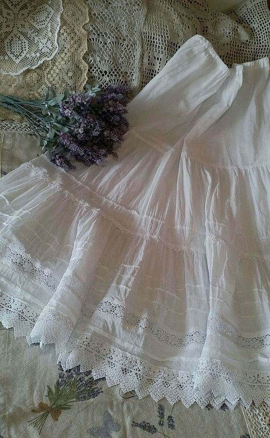 Большие размеры ручной работы. Нижняя юбка в стиле бохо.