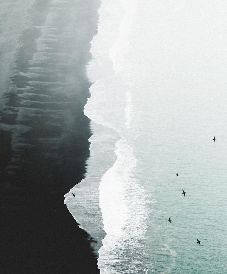 "Gefällt 17.7 Tsd. Mal, 105 Kommentare - The Cool Hunter (@thecoolhunter_) auf Instagram: ""Land & Sea Iceland @benjaminhardmanv"""
