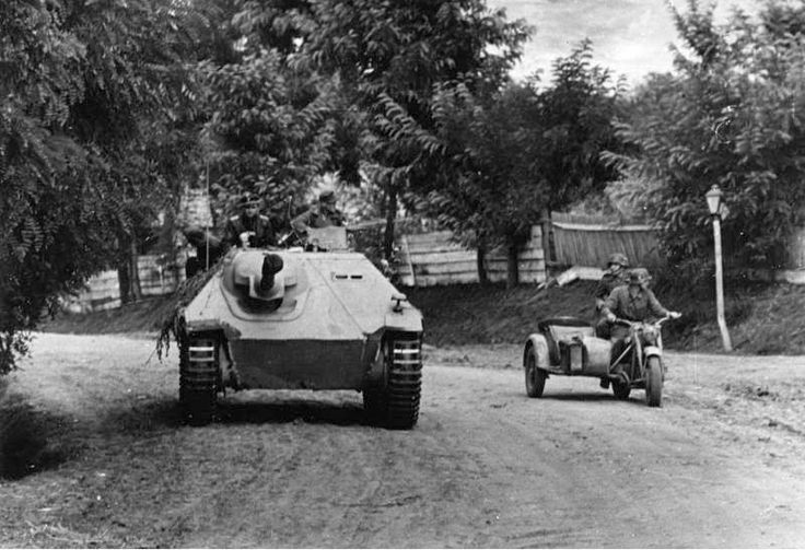 A 38t 'Hetzer' operating in  Hungary 1944 alongside a recon motorcycle