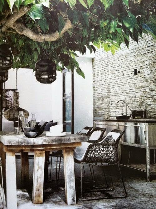 Outdoor dining in black white + wood