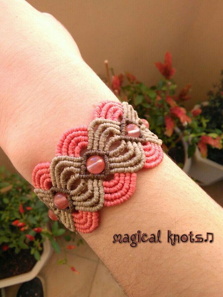 Macrame bracelet with cherry quartz stones