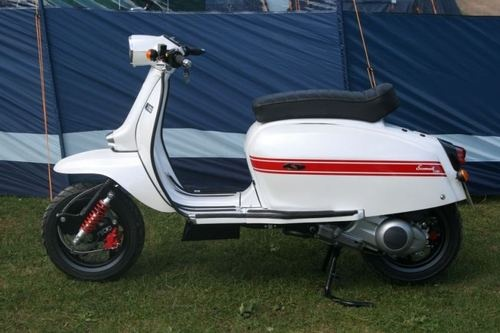 Scomadi's at the IOW - Lambrettista http://scooterspecialistni.co.uk/scooters-scomadi-at-scooter-specialist-ni