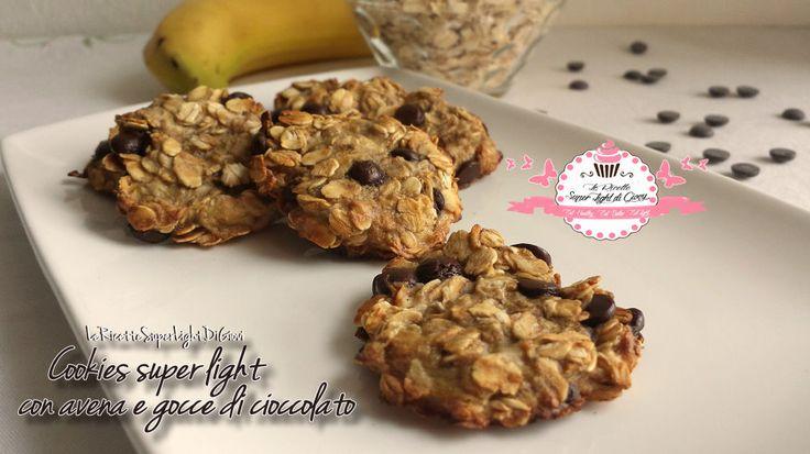 Cookies super light con avena e gocce di cioccolato (40 calorie a biscotto)