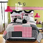 Love this for Ava's roomTeen Bedrooms, Quilt, Teen Room Decor, Girls Room, Black White, Room Ideas, Teen Girls, 13 Ideas, Bedrooms Ideas