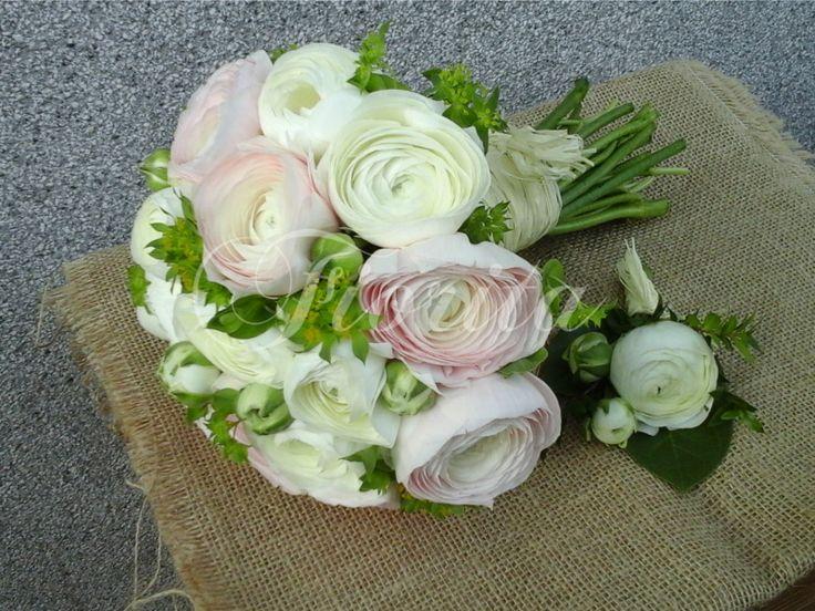 Svatební kytice a korsáž z pryskyřníků
