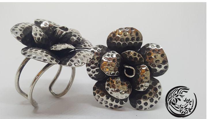 anillos de flor en plata