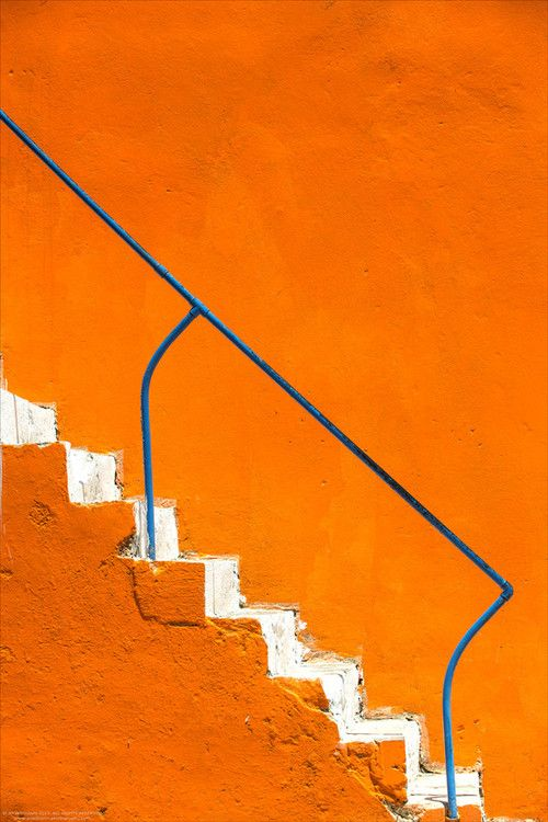 color | orange + white stairs, blue railing