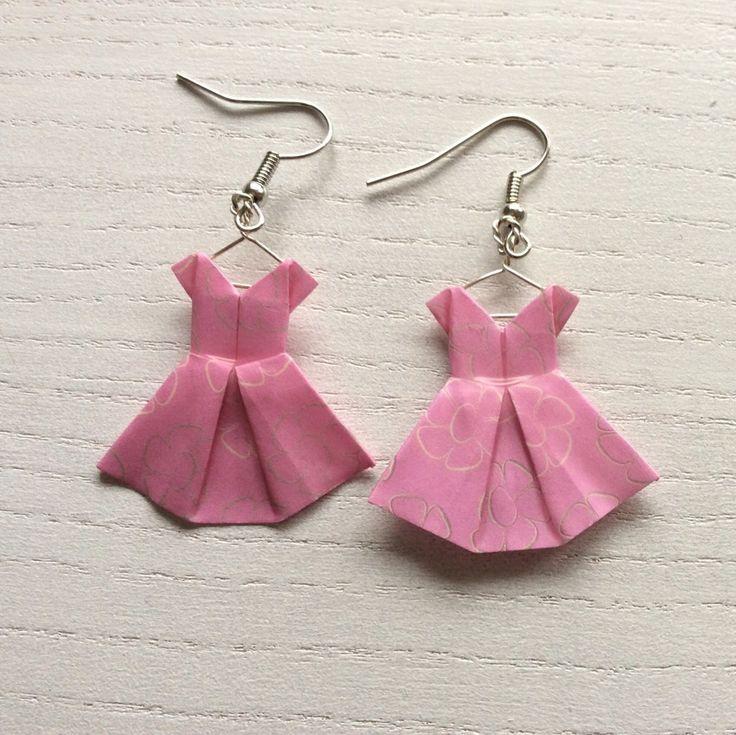 Boucles+d'oreille+robes+roses+en+origami+:+Boucles+d'oreille+par+p-tite-pomme