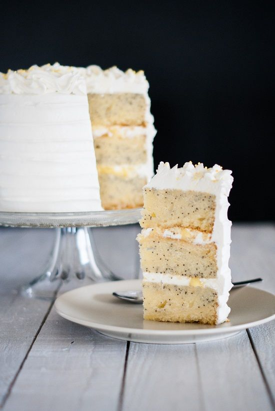 Layer Cake Citron-Pavot | Lilie Bakery http://liliebakery.fr/layer-cake-citron-pavot/